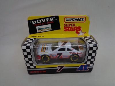 1.64 nascar #7 Dover, Matchbox