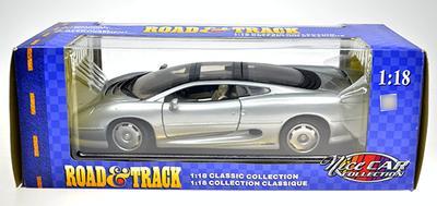 #004 JAGUAR XD220 1992