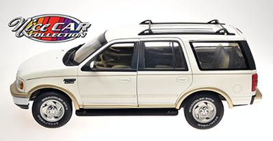 #1061 FORD EXPEDITION / Crème et or