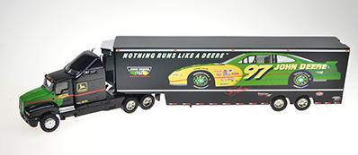 Camion remorque Nascar #97 John Deere avec certificat