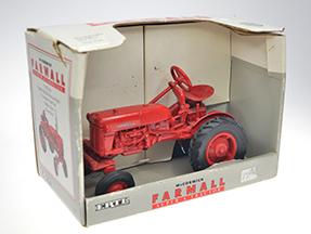 McCormick Farmall Cub  #928