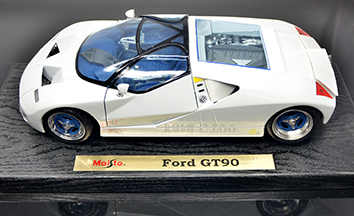 #1110 Ford GT90 V12 / blanche