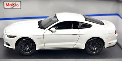 #1106 FORD MUSTANG 2015 / Blanche / NEUVE