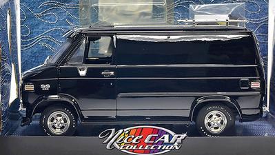1 18 Chevy Van