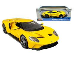 2017 FORD GT Jaune # 29
