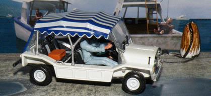 James Bond 007 Model Car Diorama Live And Let Die Mini Moke