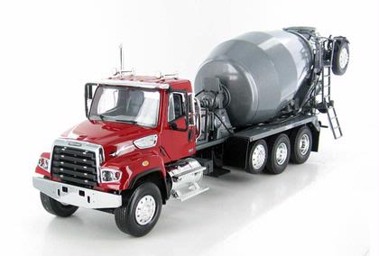 Freightliner 114SD McNeilus Bridgemaster Cement Mixer