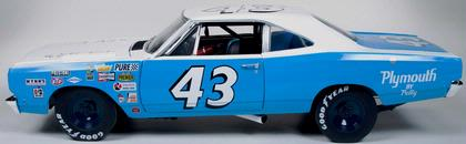 Plymouth Road Runner 1968 #43 Richard Petty