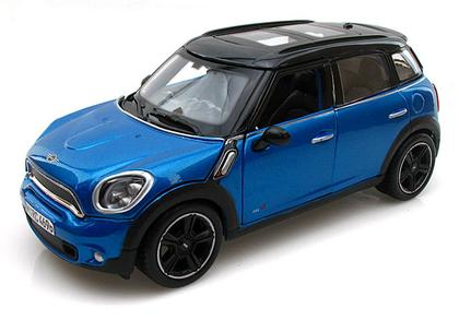 Mini Cooper Countryman with Sunroof