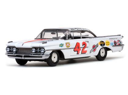 Oldsmobile 88 #42 Lee Petty 1959