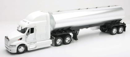 Peterbilt 387 Oil Tanker