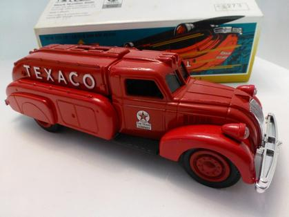 Texaco 1939 Dodge Airflow Tanker