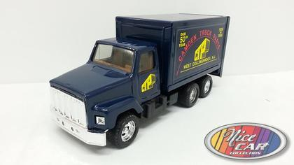 International Box Truck- Camden Truck Parts