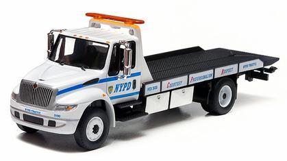 International Durastar 4400 NYPD