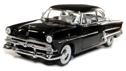Ford Crestline Victoria 1953