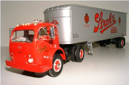 Mack Model B-61 1960 Stroh's (1 Only)