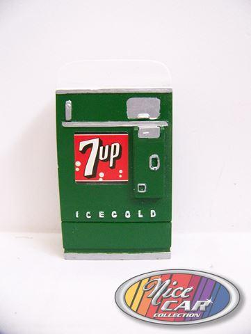 7up Vending Machine 1:18