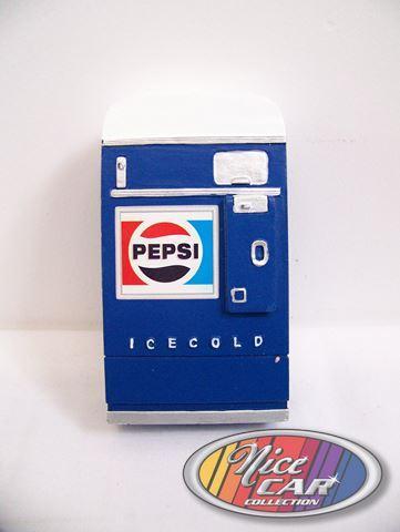 Pepsi Vending Machine 1:18