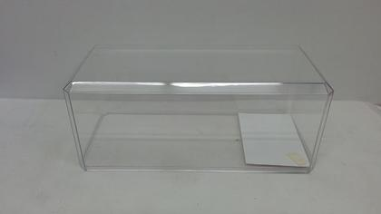 Clear display for 1:18 scale model