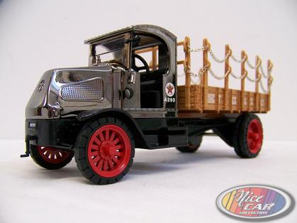 Mack AC Bulldog Flatbed Truck Texaco 1918 *Bank*