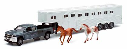 Chevrolet Silverado Fifth Wheel with Horse
