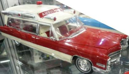 Cadillac S&S 48 High Top 1966 Ambulance
