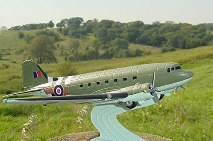 avion Douglas DC-3 C-47 R.A.F. Transport Command 1944