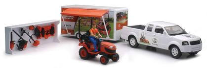Pickup with closed trailer and grass tractor Kubota 1:20
