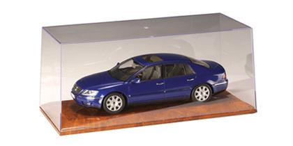 Display 1:18 Autoart with Hi-End Wood base glossy finish