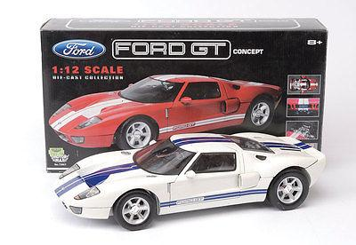 Ford GT 2004 Concept