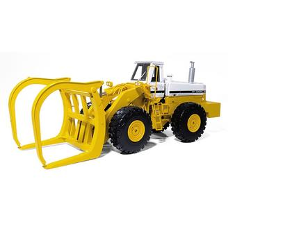 International 560 Pay Loader Logger