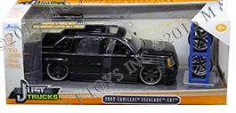Cadillac Escalade EXT 2002 (With Extra Wheels)