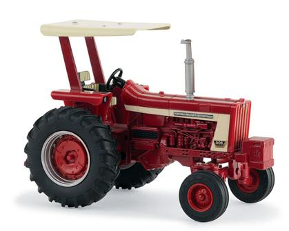 International Harvester 806 Tractor