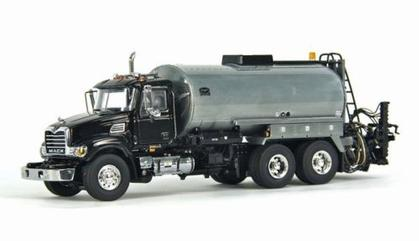 Mack Granite Truck w/ Etnyre Asphalt Body