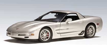 Chevrolet Corvette Z06 2001 (slightly damaged box)