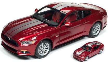 Ford Mustang GT 2017 (1:64 Replica include)