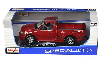 Ford SVT F-150 Lightning (1:21)
