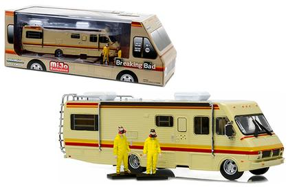 1986 FLEETWOOD BOUNDER RV BREAKING BAD DIORAMA & 2 FIGURES 1/64