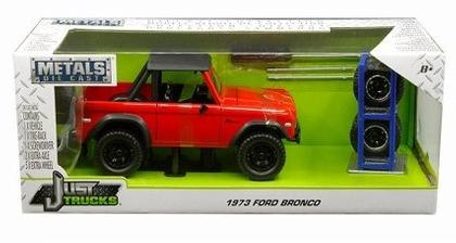 Ford Bronco 1973 with Extra Wheels