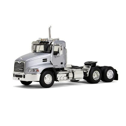 Mack Pinnacle DayCab
