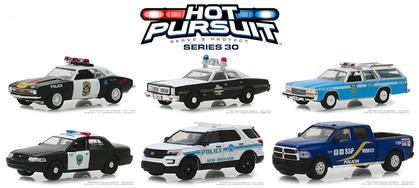 Hot Pursuit Series 30 Set 1:64