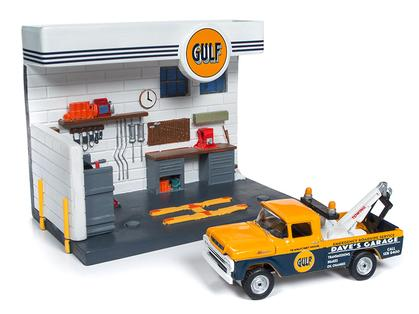 Ford F-250 Tow Truck 1959 Gulf with Service Station Diorama