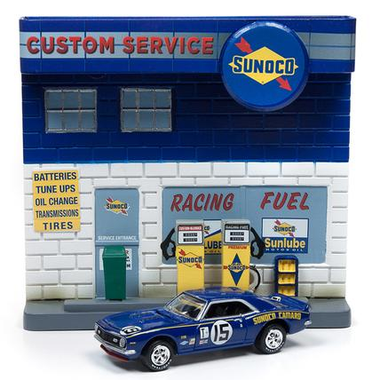 Chevrolet Camaro 1967 with Sunoco Diorama
