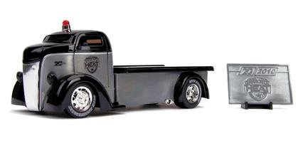 1947 Ford COE Flatbed Truck Heat - Jada 20th Anniversary