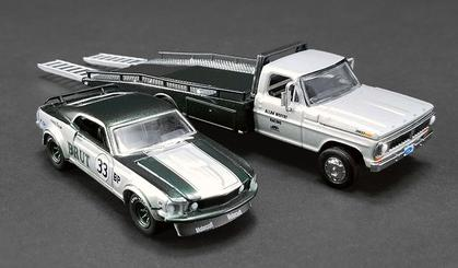 Ford F-350 Ramp Truck & #33 1969 Trans Am Mustang
