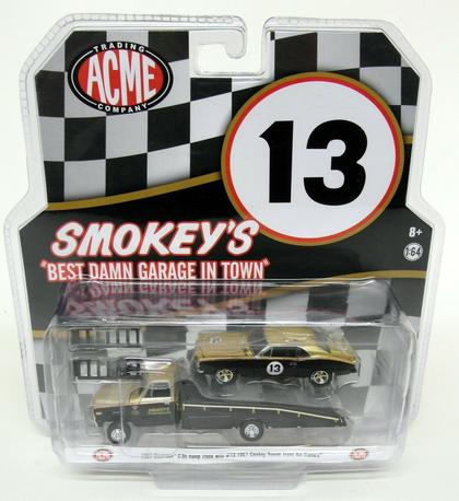 Chevrolet C30 1967 Ramp Truck & Smokey Yunick Trans Am Camaro (January 27)