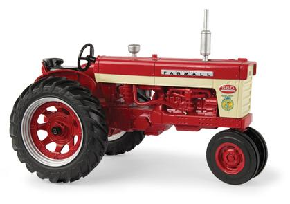 Farmall 560 Tractor with FFA Logo