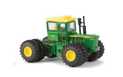 John Deere 7520 4WD Tractor with Duals
