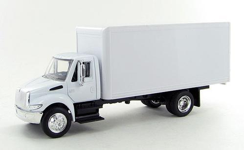 International 4200 White Box Truck