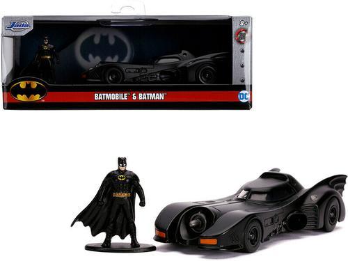 1989 Batmobile & Batman Figurine 1/32
